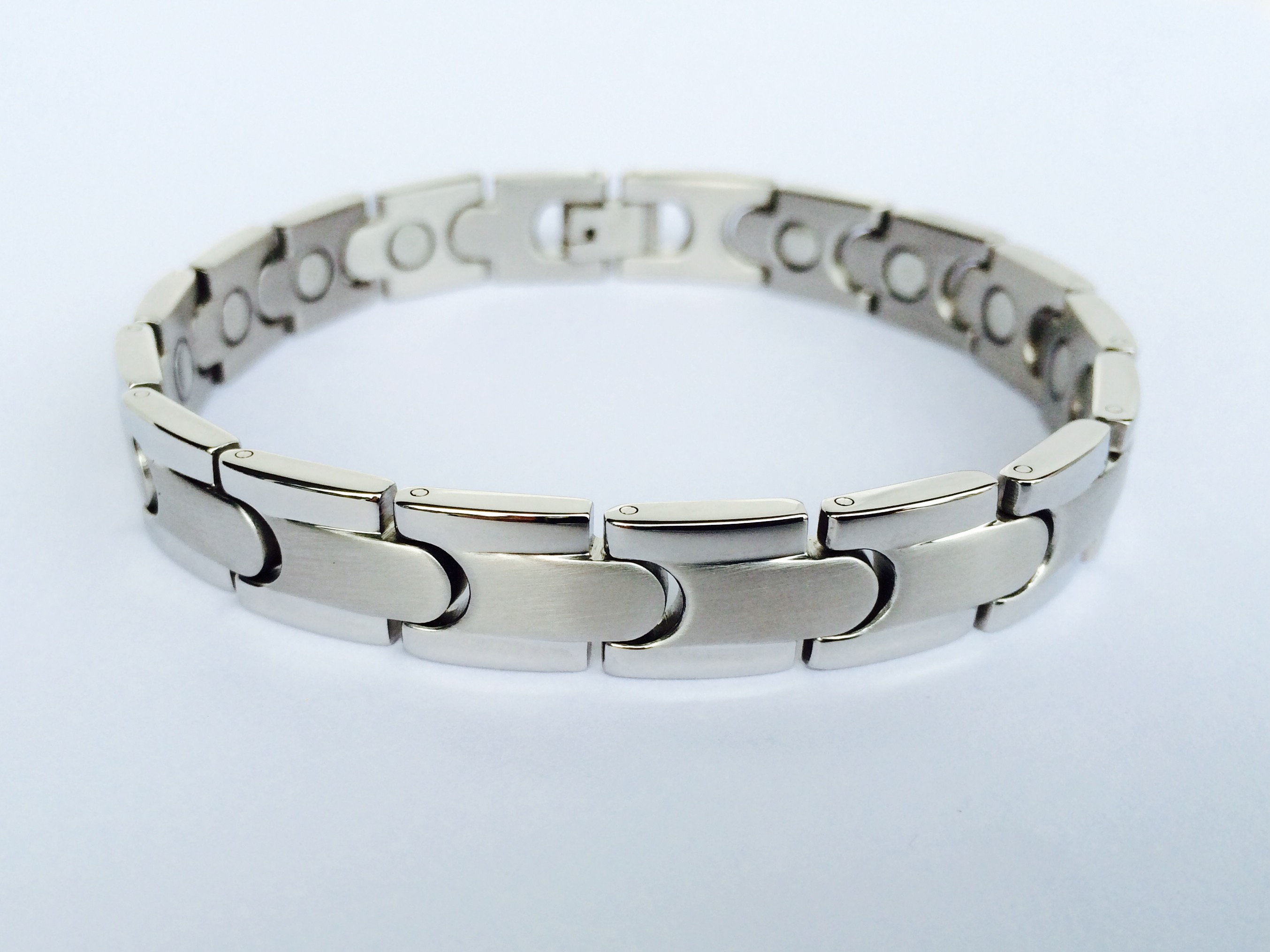 Magnetic bracelet smb 15 syntropy zone for How does magnetic jewelry work